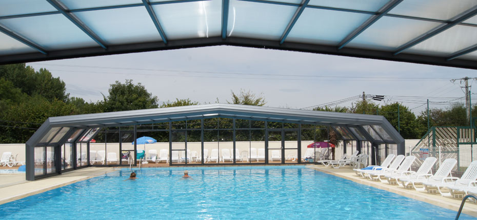 piscine-couverte-camping-proche-paris