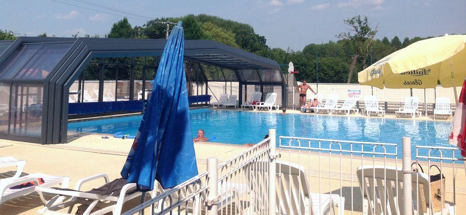 Camping avec piscine couverte en eure et loir camping for Camping piscine couverte normandie