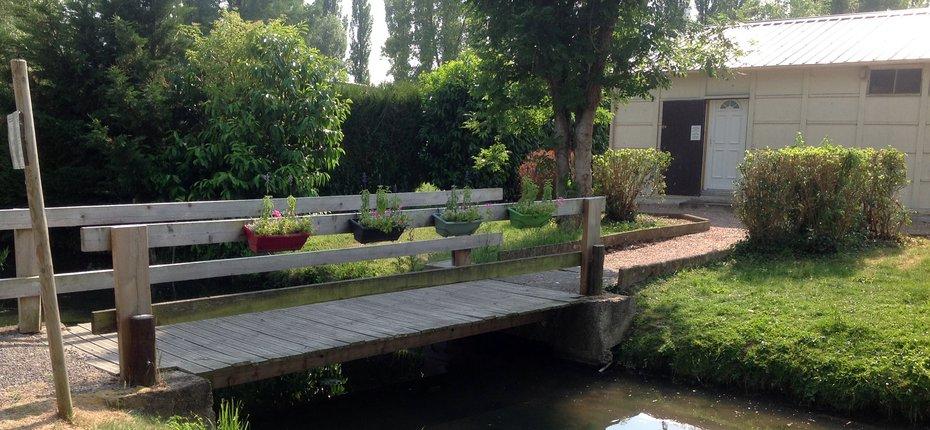 camping-centre-val-loire-pont-ruisseau