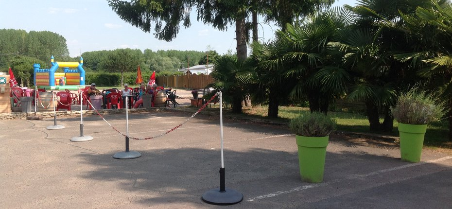 camping-eure-et-loir-parking