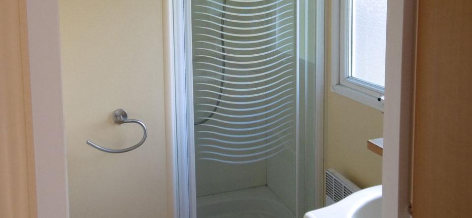 salle-de-bains-location-mobil-home-super-mercure-eure-et-loire